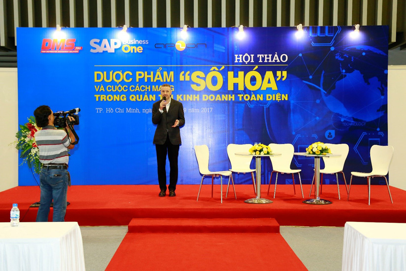 stefan-roesler-giam-doc-SAP-Business-one-phat-bieu-khai-mac-hoi-thao